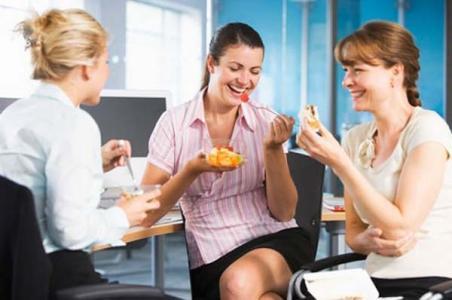 Краще вийти на обід в кафе чи брати обід з собою