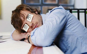 На робочому місці корисно і поспати
