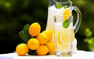 Корисні властивості лимонного соку
