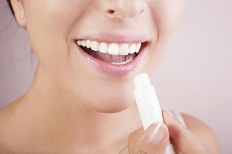 Подразнені губи