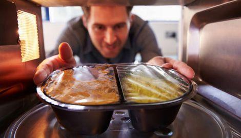 Які продукти не варто розігрівати?