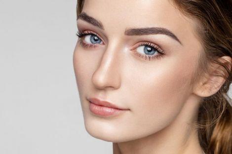 Форму брів вибирають, враховуючи індивідуальні особливості обличчя