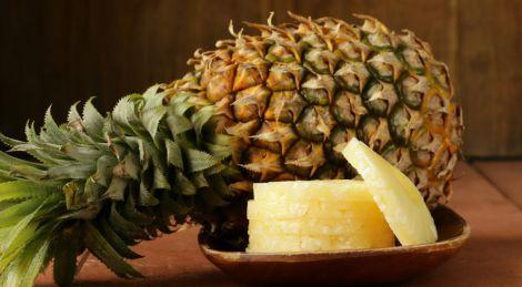 Літній рецепт для схуднення: легкий салат з ананаса і огірків
