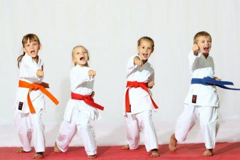 Дівчата отримують більше користі від спорту