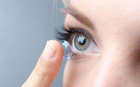 Втрата зору через контактні лінзи