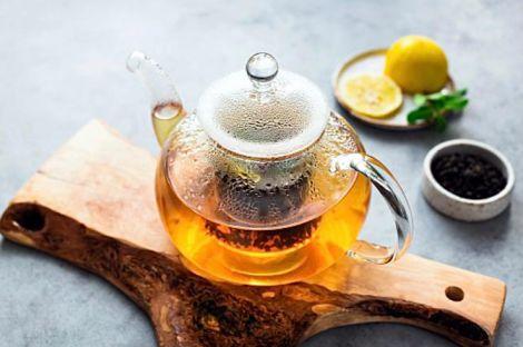Дієтолог розповів, кому пити чай шкідливо