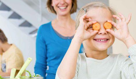 Експерти назвали продукти, які допомагають зберегти гострий зір