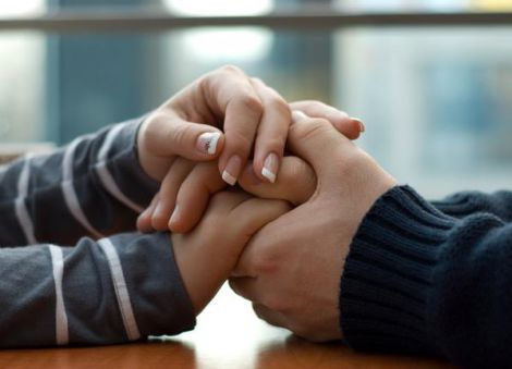 А ви тримаєте за руку другу половинку?