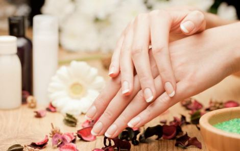 Руки выдают возраст женщины