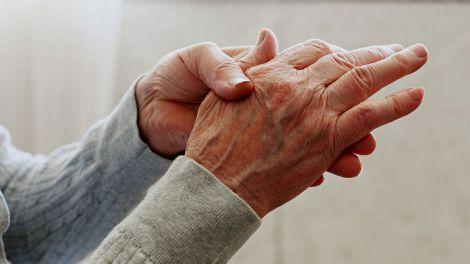 Артрит можна виявити на перших етапах: два можливих симптоми