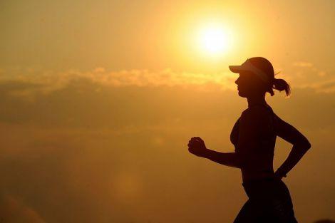 Вчені з'ясували, скільки годин активності в тиждень гарантовано знизять ризик захворювань серця і су