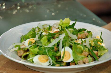 Яйця корисно вживати у салаті