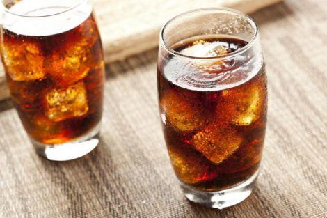 Шкода дієтичних газованих напоїв