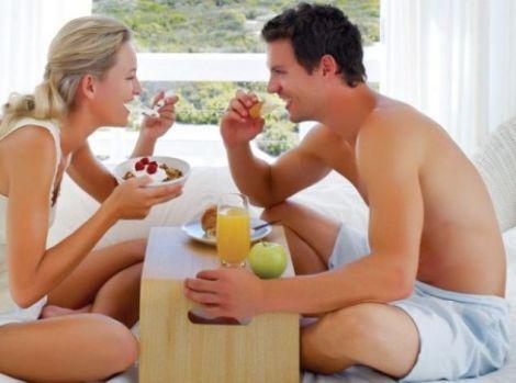 Яблуко містить гормон ферозонін, який має збудливий вплив на жінок