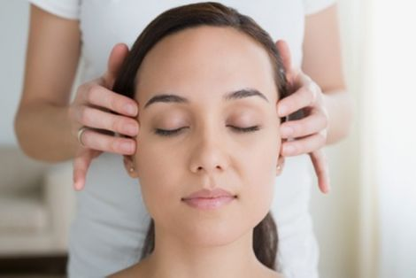 Корисний японський масаж голови