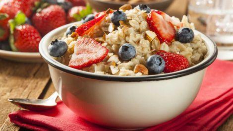 """Незвичайна """"нічна вівсянка"""" виявилася найкориснішою на сніданок"""