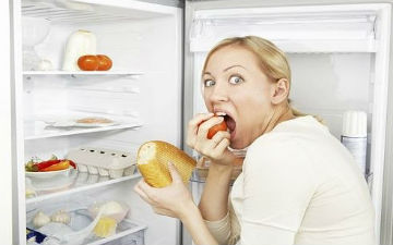 Як позбутися звички їсти на ніч