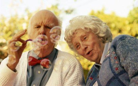 Яких вітамінів бракує людям похилого віку?