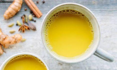 Зелений чай треба вживати з куркуміном?