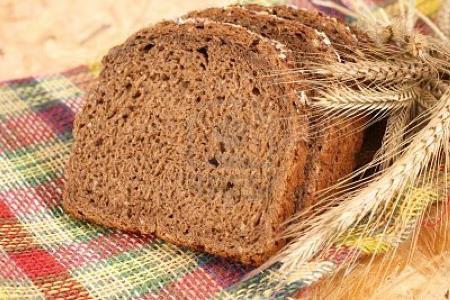 Багато людей поправляються від того, що їдять все з хлібом за звичкою