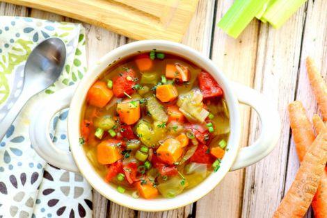 Приготування овочевого супу для схуднення
