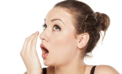 Про яку хворобу свідчить поганий запах з рота?