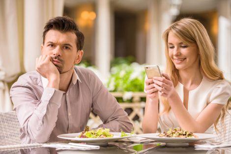 Самотність у стосунках