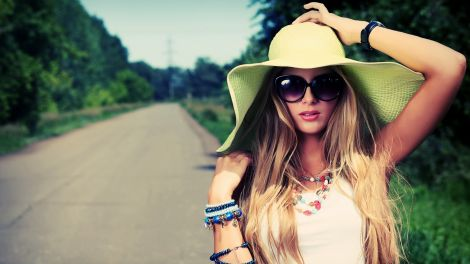 Сонцезахисні окуляри потрібно носити навіть у холодну пору