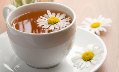 Чому потрібно пити чай з ромашки?