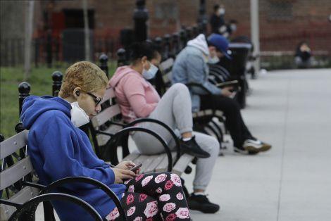 Як соціальна дистанція рятує життя?