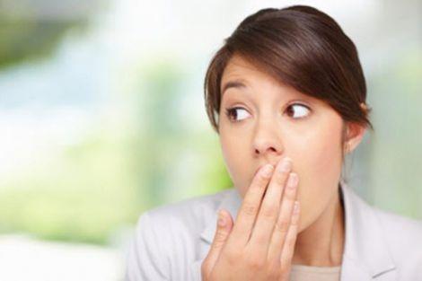 На які хвороби вказує неприємний запах з рота