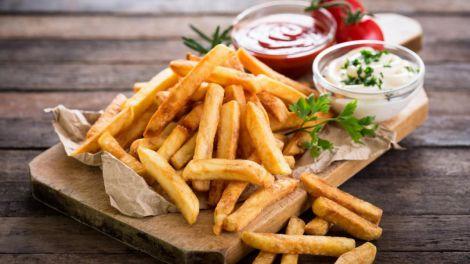 Як приготувати смачну картоплю фрі?