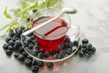 чай з смородини та шипшини допоможе очистити нирки