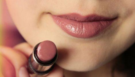 Користь губної помади