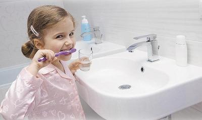 Полезно ли чистить зубы?