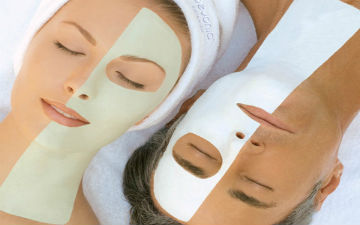 Нічні маски теж корисні для ніжної шкіри обличчя