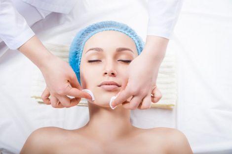 Яким косметичним процедурам ви надаєте перевагу?