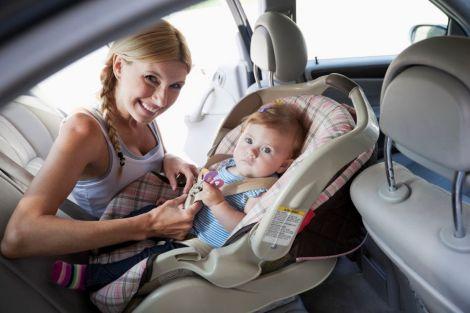 Не варто залишати дітей в автомобілі у спекотну погоду