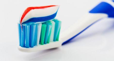 Діоксид титану у зубній пасті провокує діабет