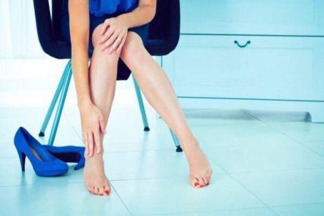 Незвичайну біль в ногах назвали ознакою високого рівня цукру в крові