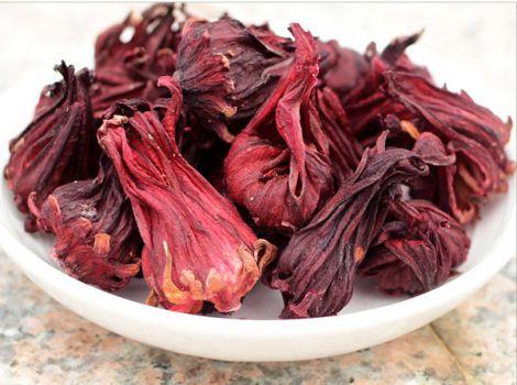 Чай з гібіскусом: корисні властивості