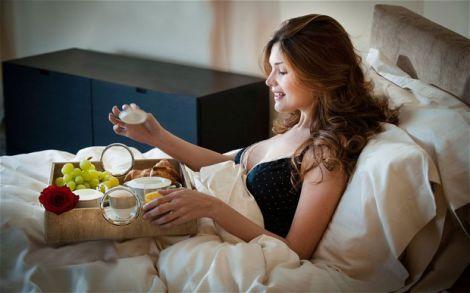 Сніданок в ліжко