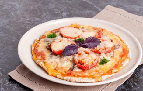 Як приготувати піцу без борошна? (Відео)