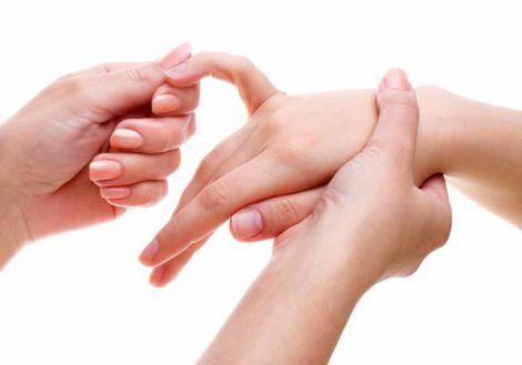 Нічне оніміння рук: основні причини