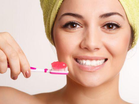 Догляд за зубною емаллю