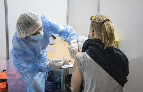 Вакцинація в Україні: 4 важливі проблеми (ВІДЕО)