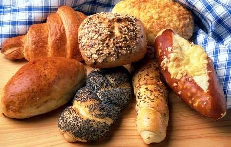 Вживання білого хліба може чинити негативний вплив на здоров'я і фігуру