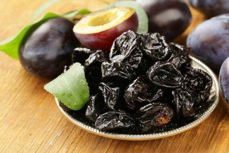 Користь чорносливу: десять штук в день захистять від раку