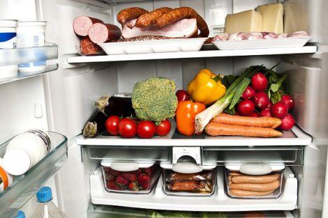 Продукти у холодильнику