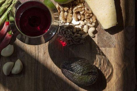Часник і червоне вино допоможуть позбутися зайвої ваги і холестерину